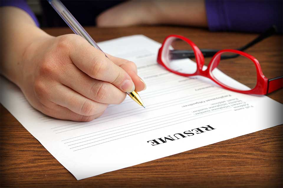 Four Quick Tips to Crafting a Strong Resume